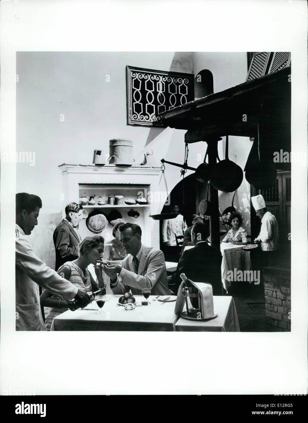"""El 25 de febrero, 2012 - ''Las Trece Monedas"""" restaurante de Lima, ubicado en una antigua casa señorial que data desde los días del virreinato, ofrece una completa selección de platos internacionales. Imagen De Stock"""