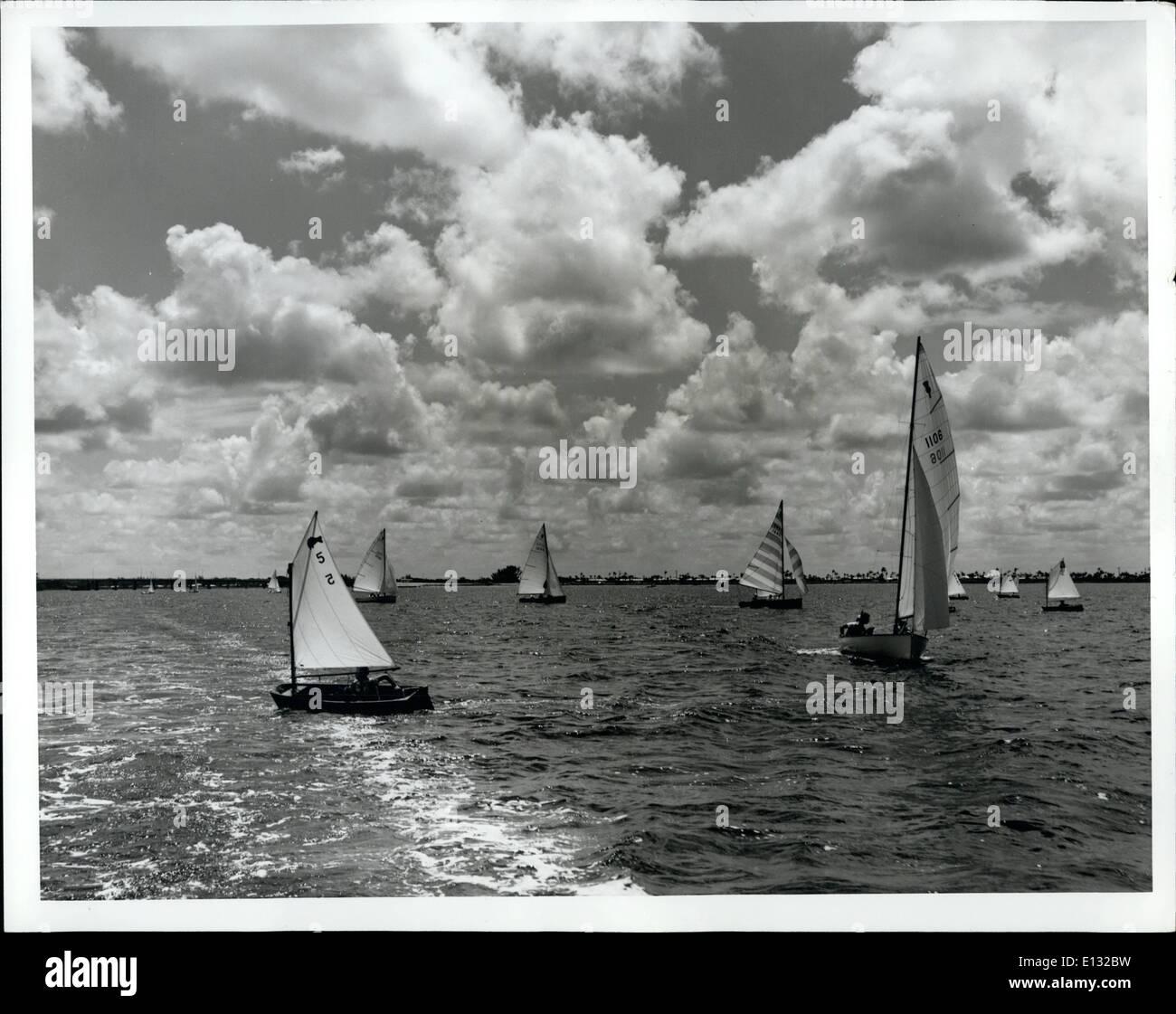 El 26 de febrero de 2012 - El Día del Trabajo, fiestas resaltar Florida's calendario de eventos para el mes de septiembre, y la regata en Sarasota Foto de stock