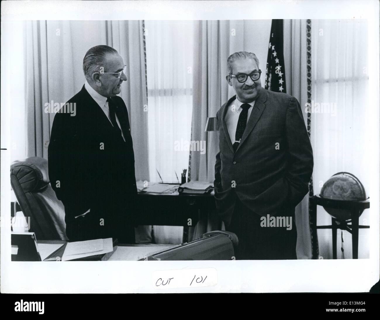 Martes 22 de marzo, 2012 - La postura relajada y la traza de una sonrisa, como en la visita de la Casa Blanca con Foto de stock