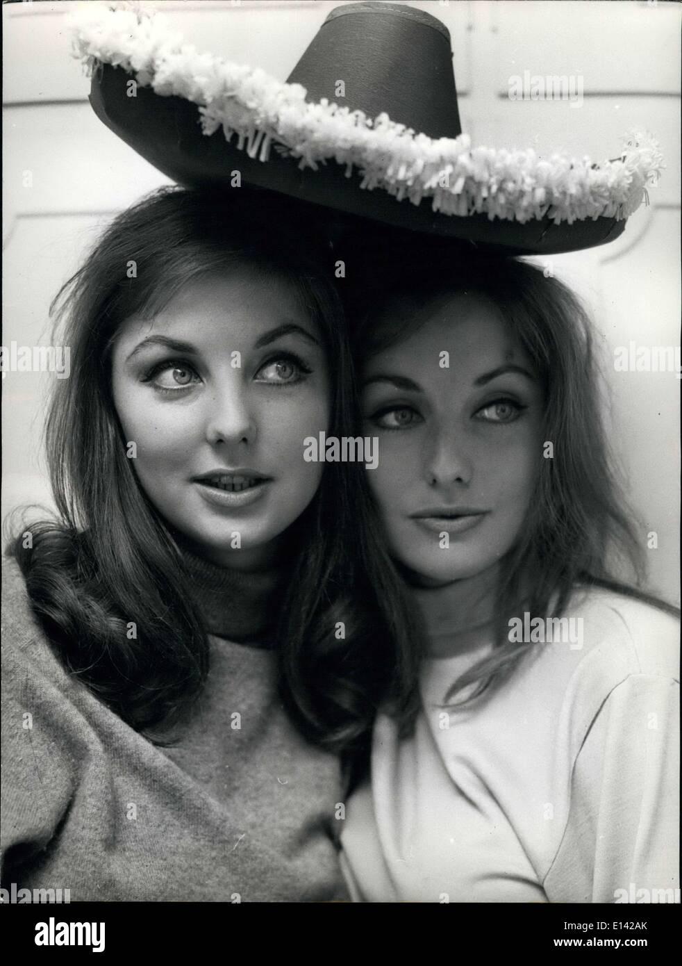 Marzo 31, 2012 - Mia y Pia Gemberg los gemelos más famosos de Roma: la alemana Pia Gemberg gemelos Mia y los Imagen De Stock