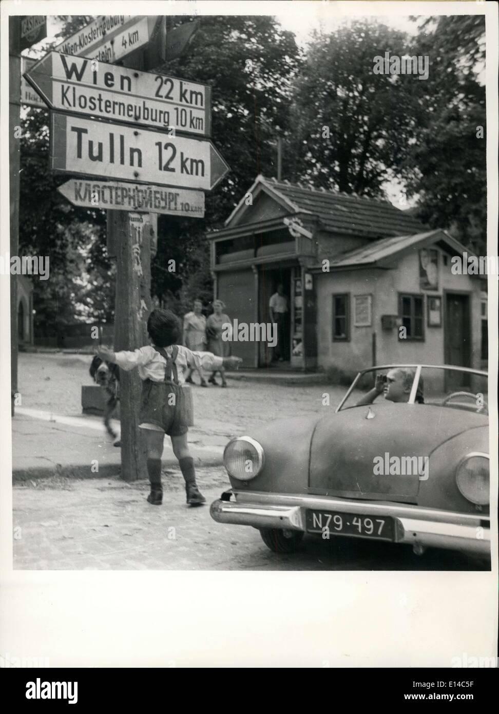Abril 17, 2012 - El coche-conductor más joven del mundo - dos años Alfred Schwarzfrom St. Andrae-Woerdern Austria Foto de stock