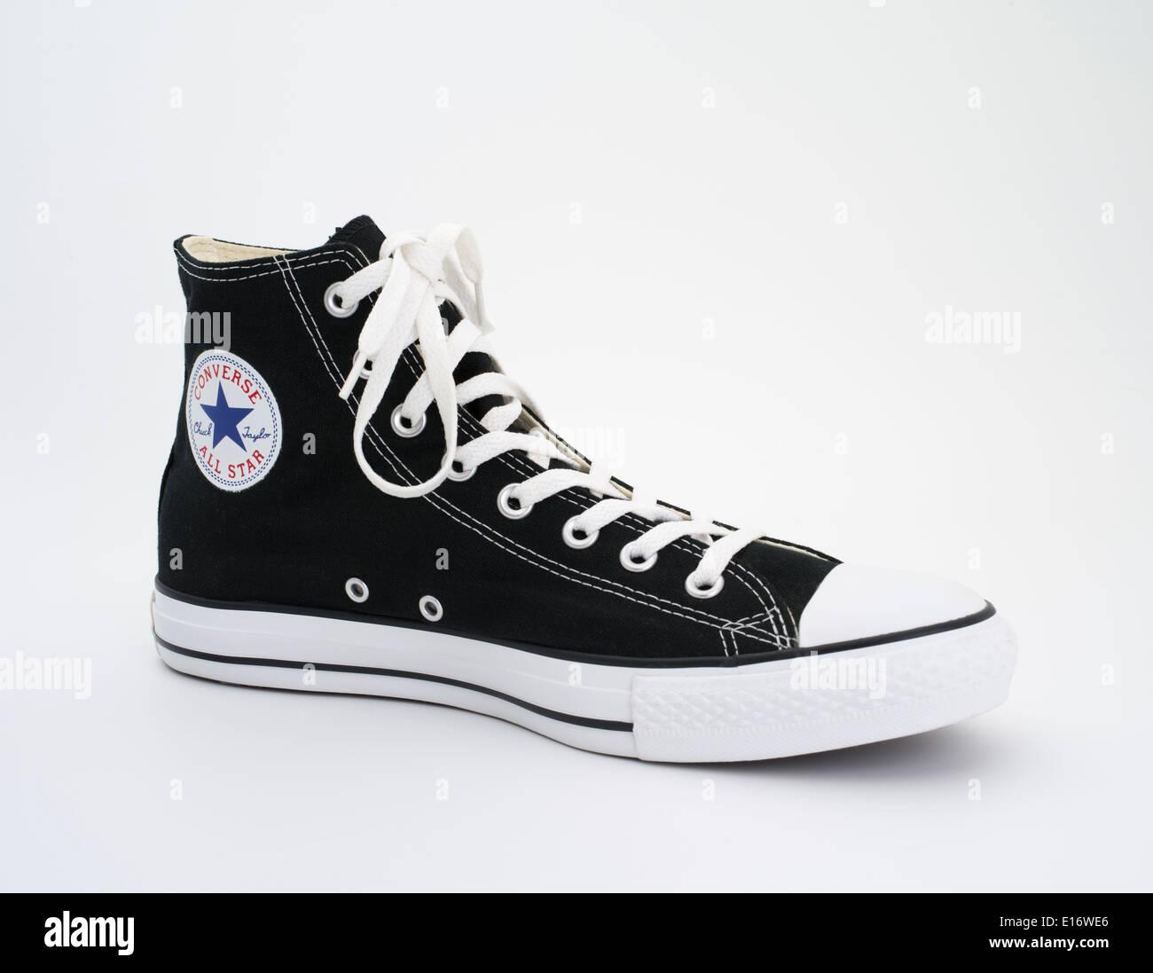 25cb307b2c0 Converse All Star Chuck Taylor en blanco y negro - Chuck Taylor All-Stars  lona