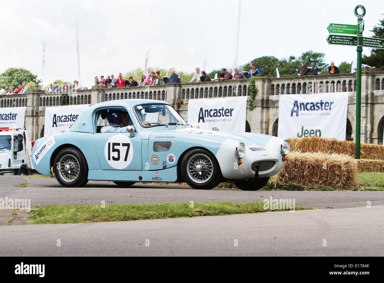Competidores en el 2014 en el Palacio del Deporte del Motor en el Crystal Palace Park South London 25.05.2014 Imagen De Stock