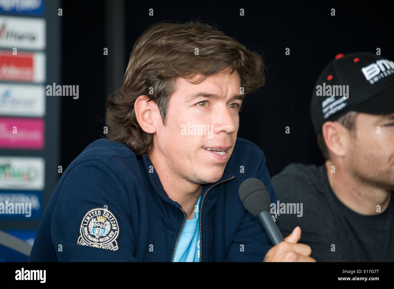 Belfast, Reino Unido el 8 de mayo de 2014, Rigoberto URAN en Giro d'Italia conferencia de prensa,Belfast Imagen De Stock