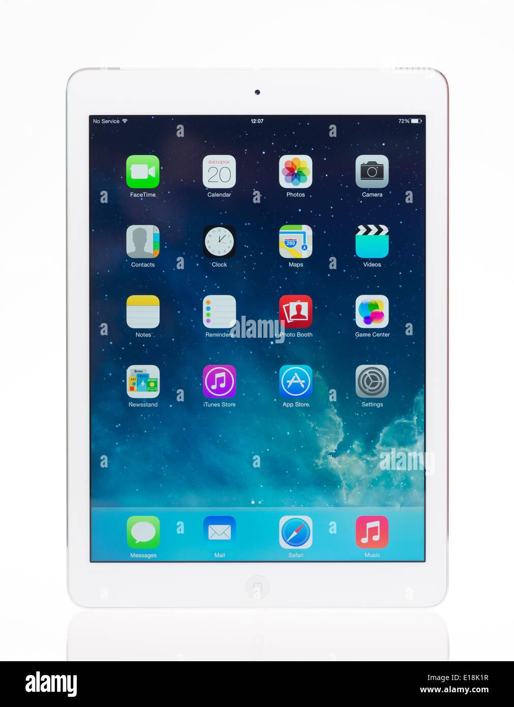 Foto de estudio de la marca blanca nueva iPad de Apple Air, la tableta digital más avanzada en la parte de la línea iPad Imagen De Stock