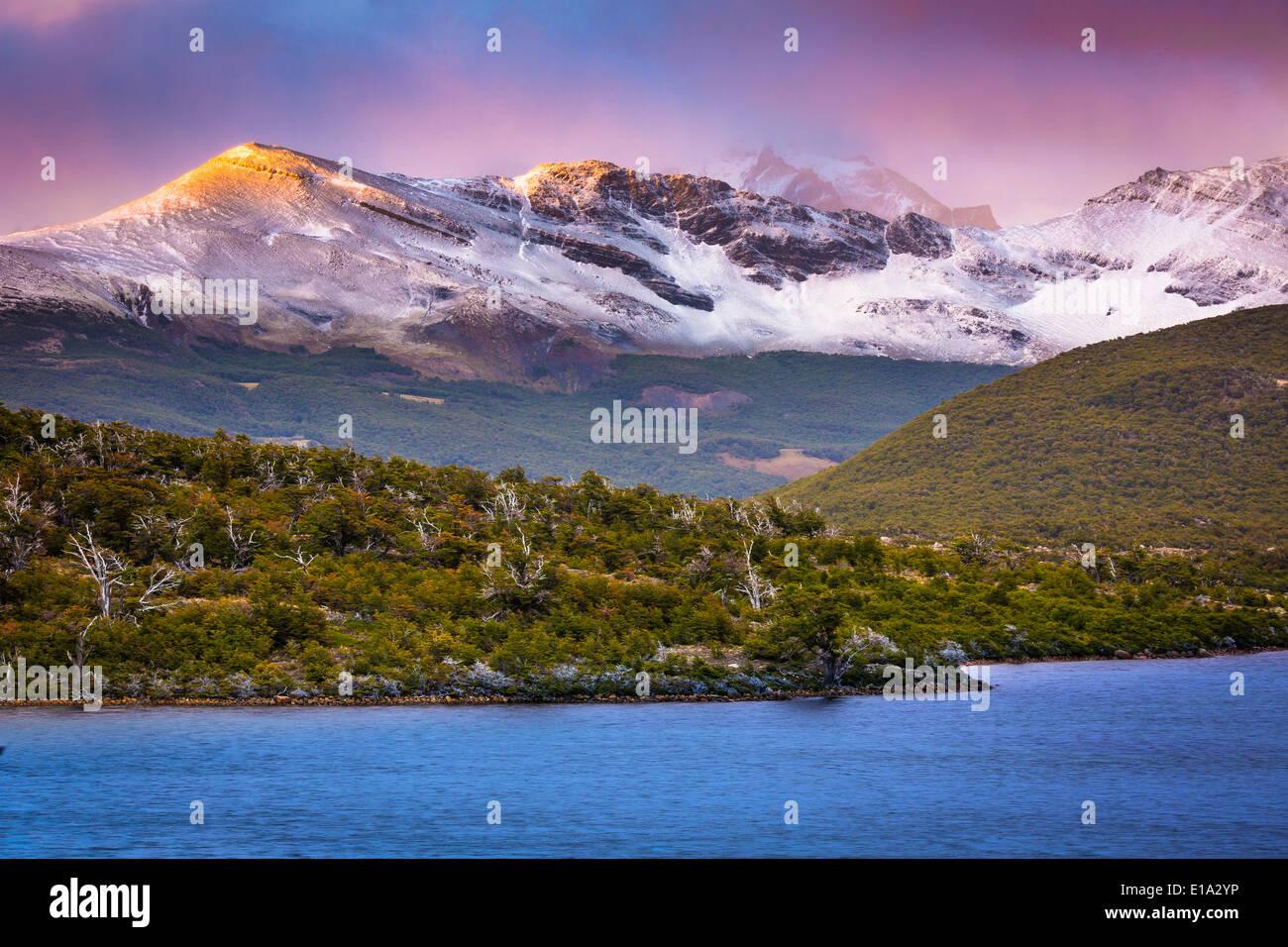 Laguna Capri, cerca de lago de El Chaltén, en la parte de la Patagonia Argentina Imagen De Stock