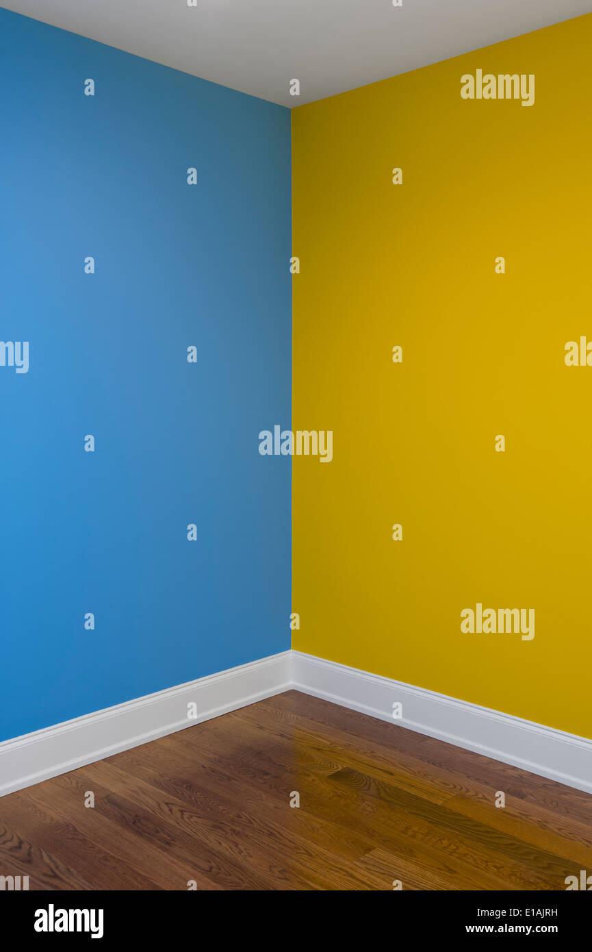 Paredes pintadas de colores para comenzar define un color - Paredes pintadas de dos colores ...
