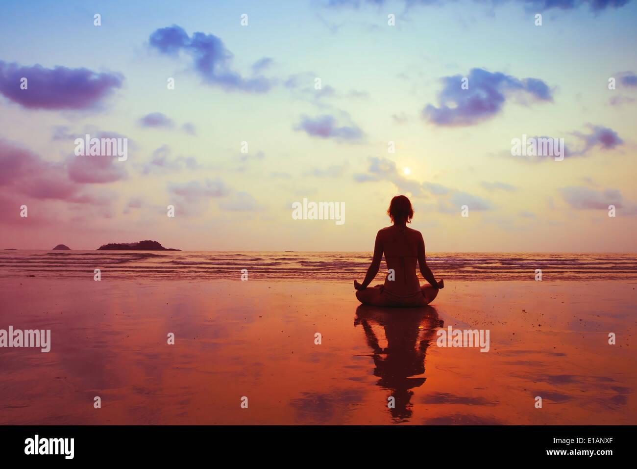 Concepto de estilo de vida saludable, el cuerpo, la mente y el espíritu Imagen De Stock