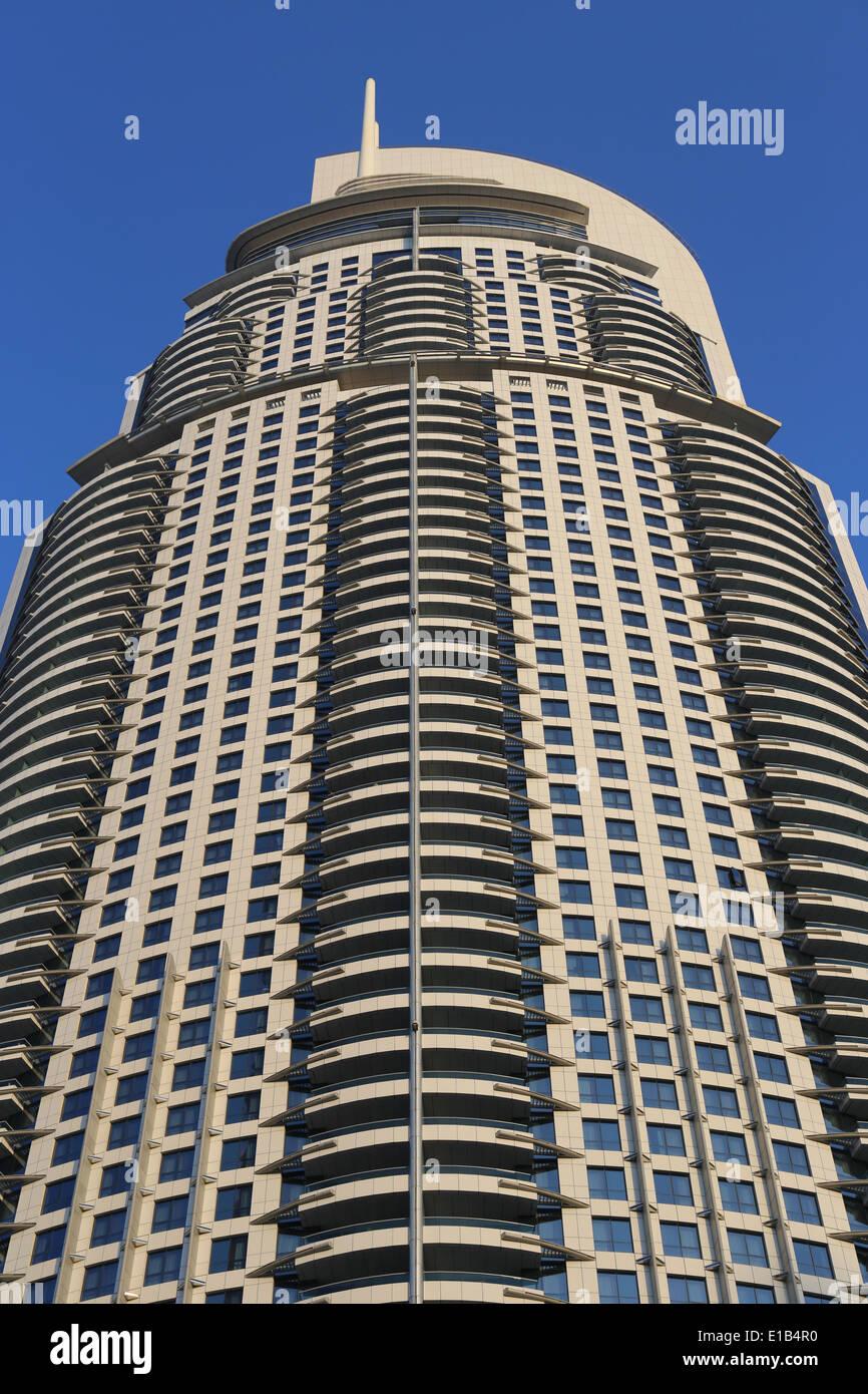 Vista del Hotel La dirección en el Dubai Mall, el centro comercial más grande del mundo, el centro de compras y entretenimiento en Octubre 31, 2013 en Dubai, Foto de stock