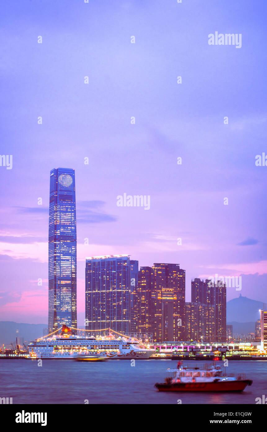 Kowloon de Hong Kong, al puerto de Victoria. Imagen De Stock