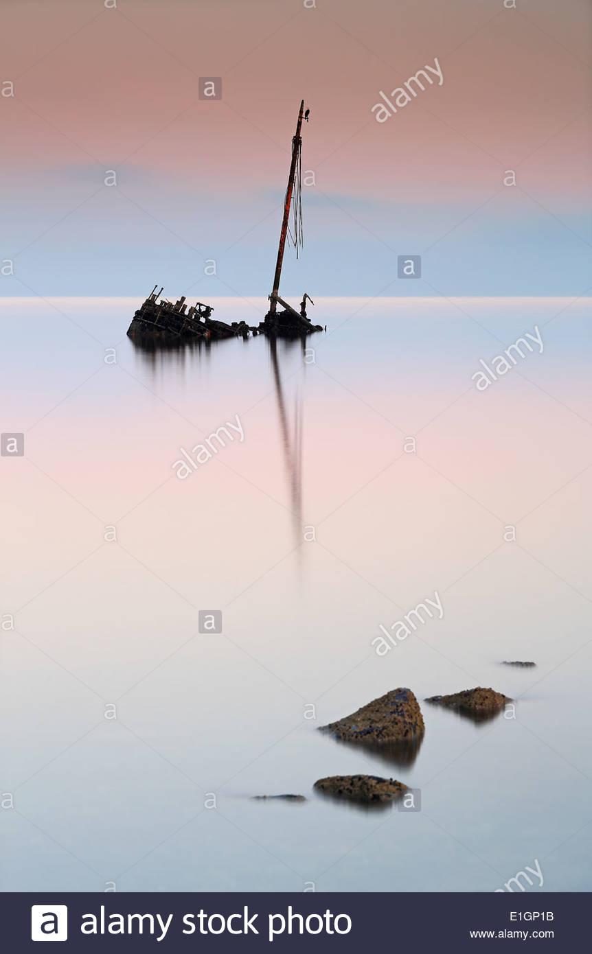 Calma plana naufragio Imagen De Stock