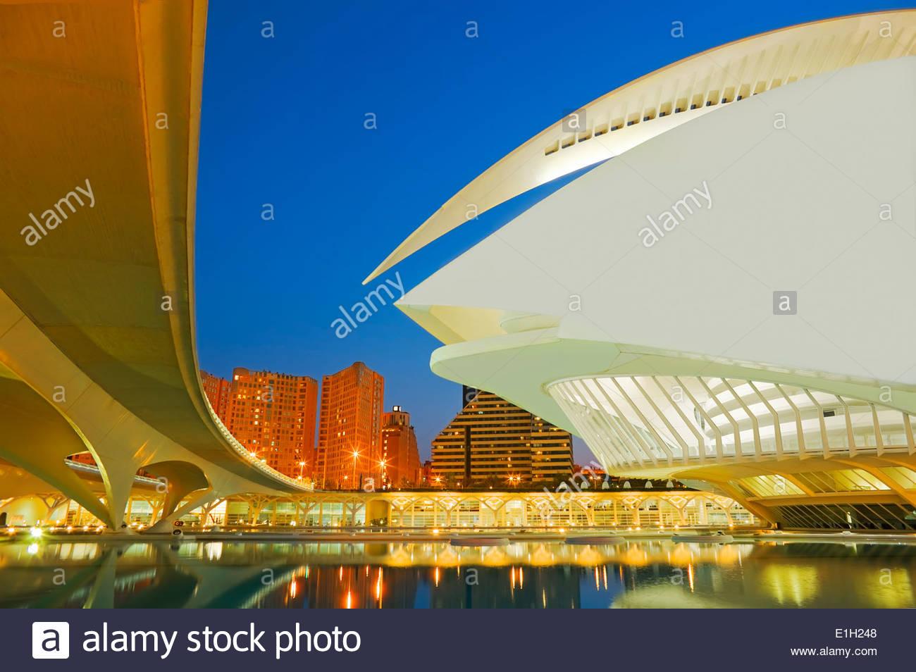 Ciudad de las Artes y las ciencias en la noche, Valencia, España Imagen De Stock