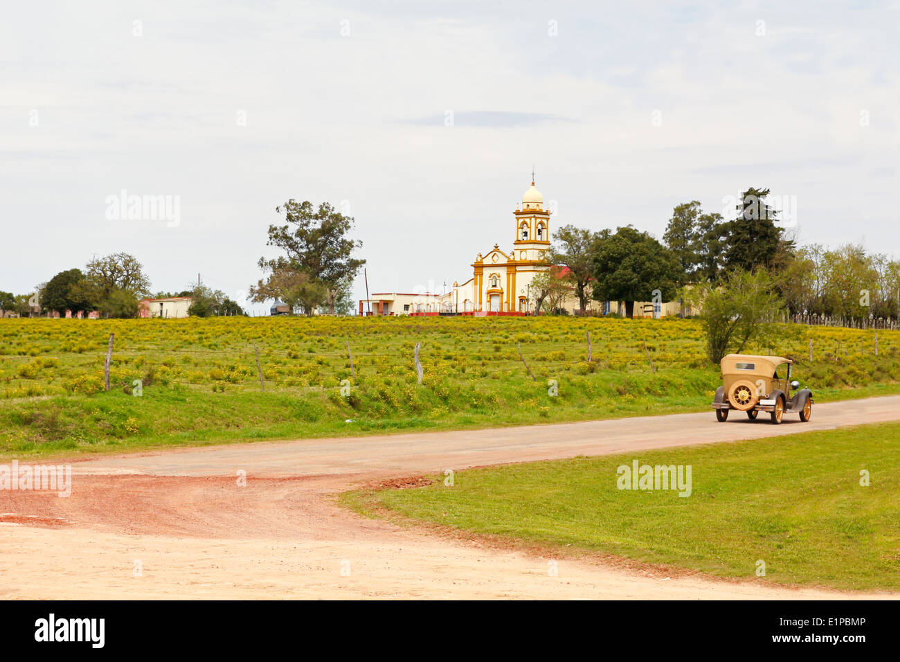 El regreso al pasado. Una escena vintage en Uruguay Imagen De Stock