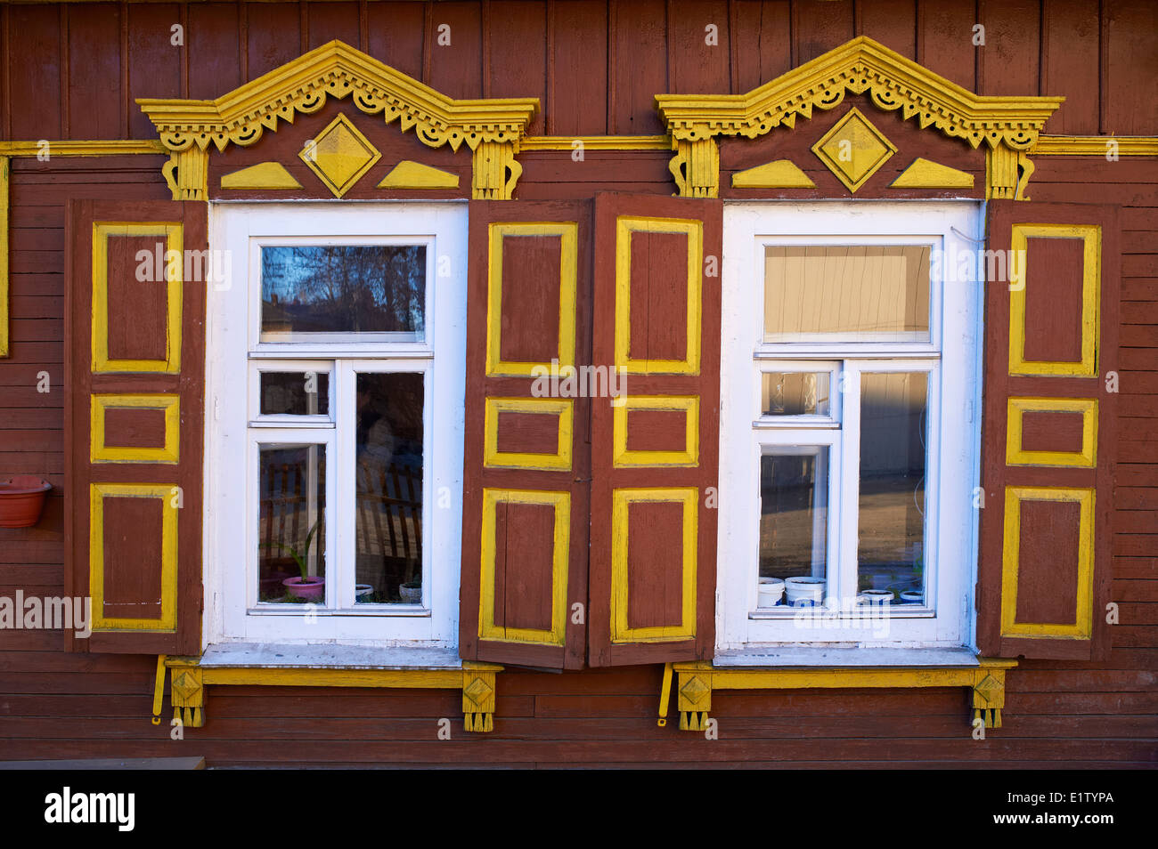 Rusia, Siberia, Irkutsk, arquitectura de madera Imagen De Stock