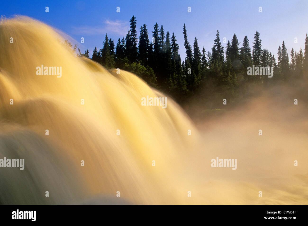 Agua caiga Pisew Falls, Pisew Falls Provincial Park, Manitoba, Canadá Imagen De Stock