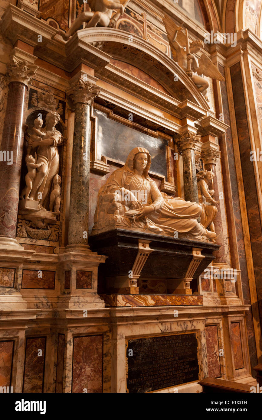La Cappella Aldobrandini, o Capilla Aldobrandini; el interior de la Iglesia de Santa Maria Sopra Minerva, Roma Italia Foto de stock