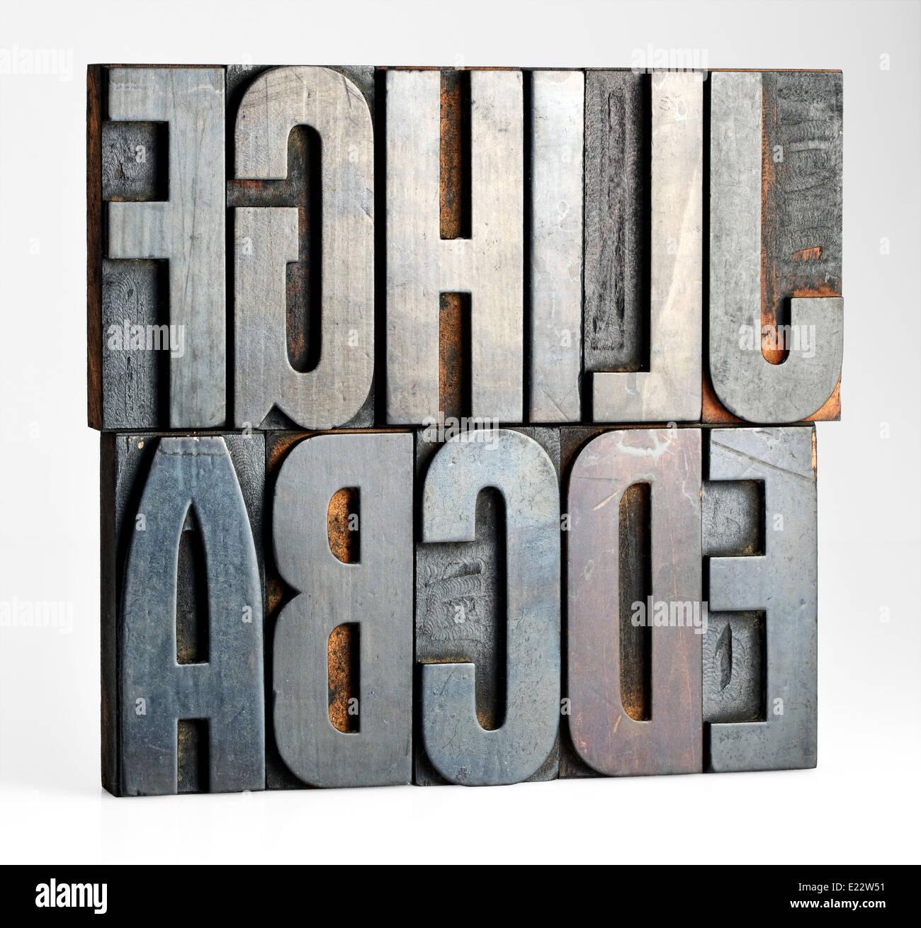 Las letras del alfabeto en impresoras antiguas cuadras Imagen De Stock