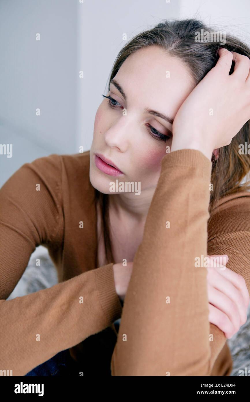 Mujer en el interior Imagen De Stock