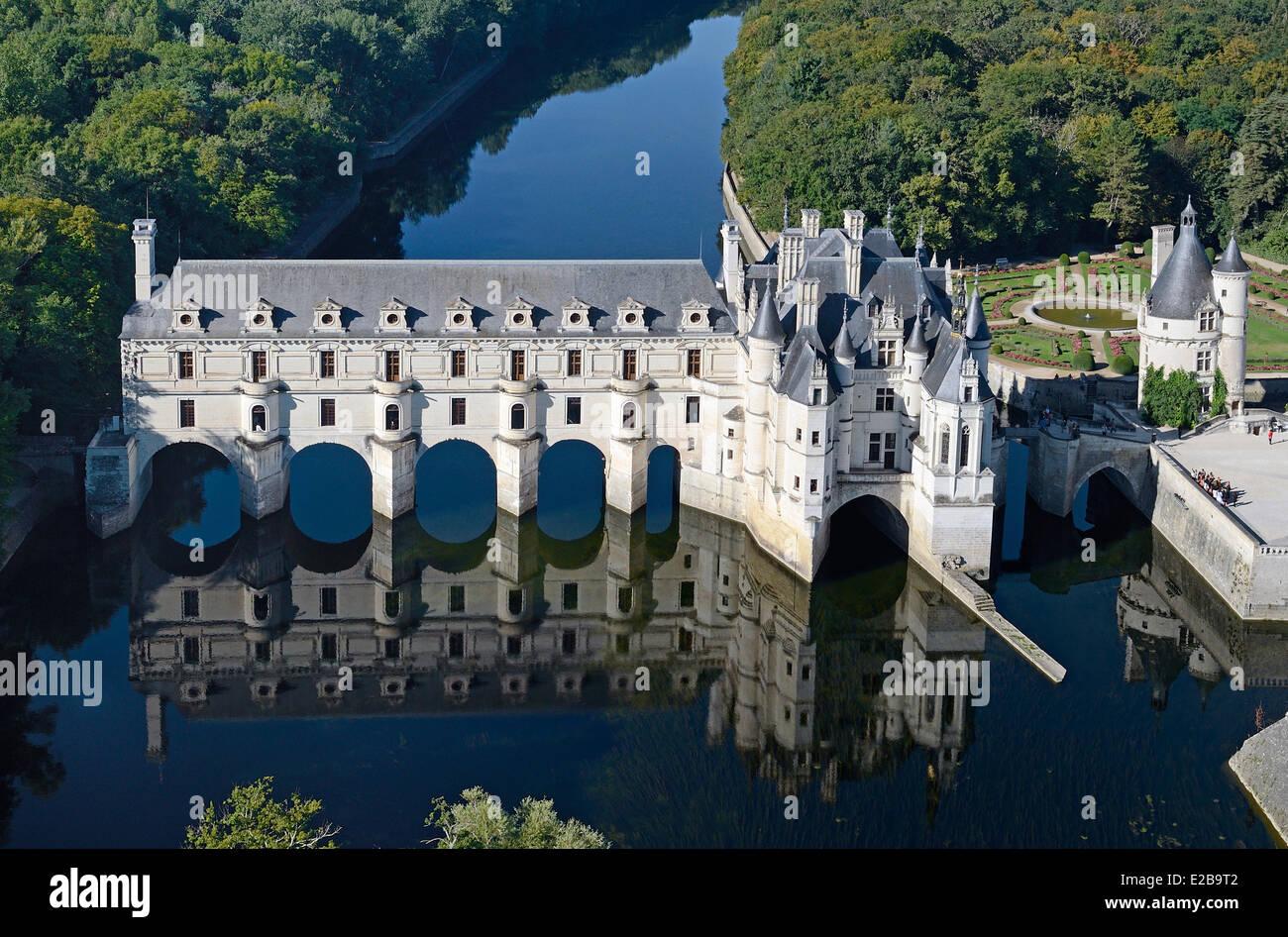 Francia, Indre et Loire, Castillos del Loira, Chenonceau, Château de Chenonceau, construido sobre el río Imagen De Stock