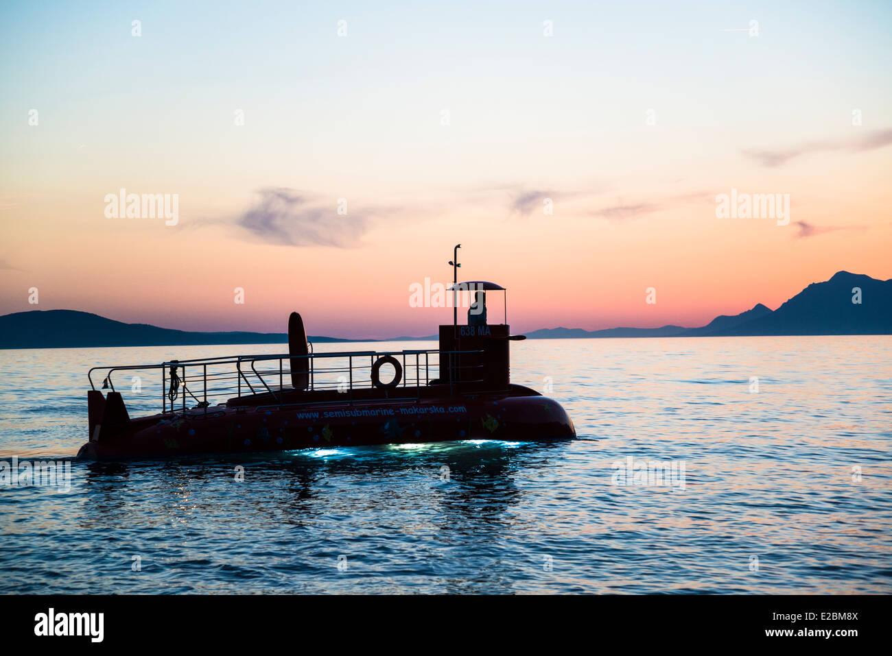 Siluetas semi-submarino, Makarska, Croacia Imagen De Stock