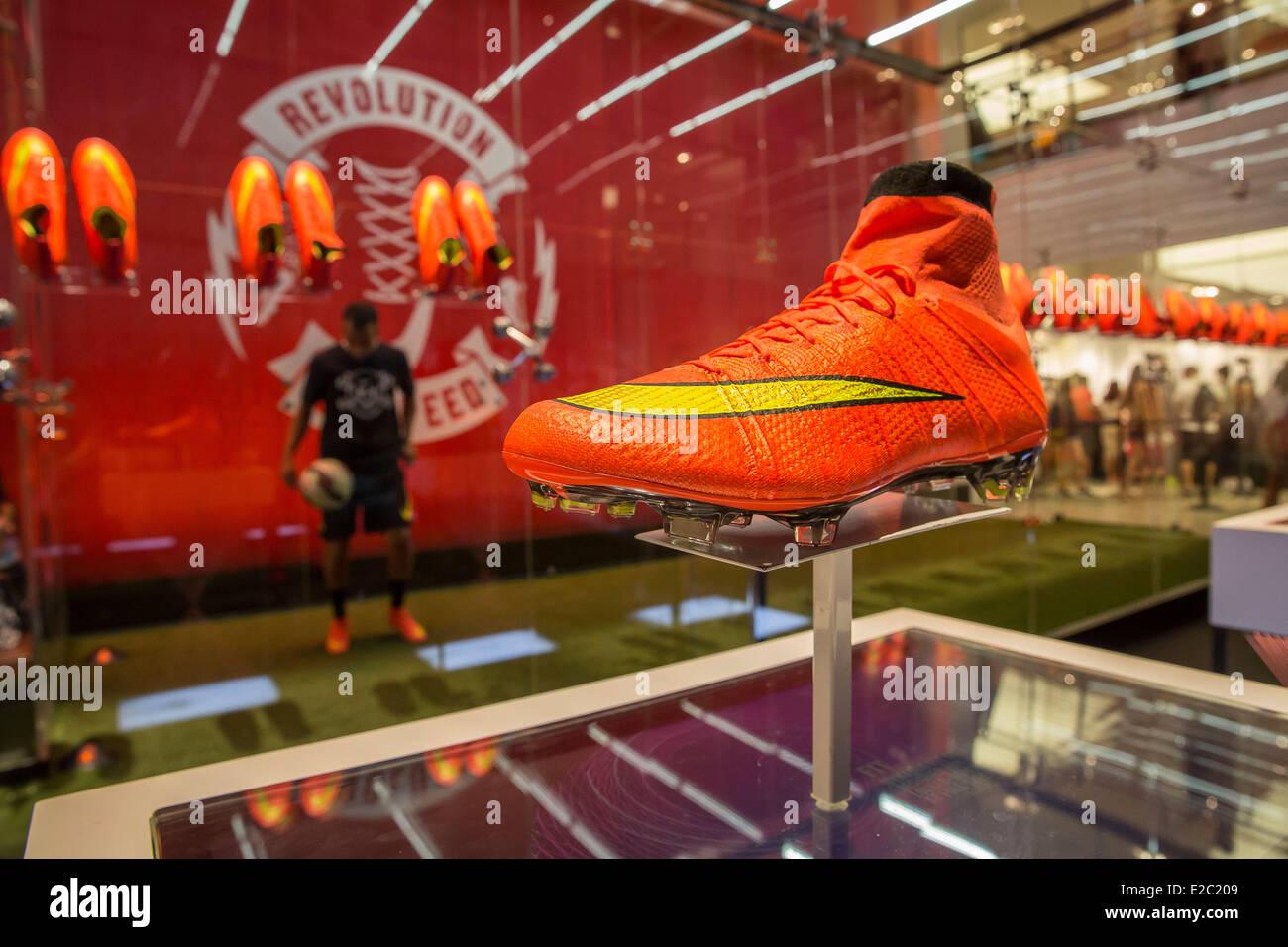 Nike Football Boots Imágenes De Stock   Nike Football Boots Fotos De ... 7f228c1567669
