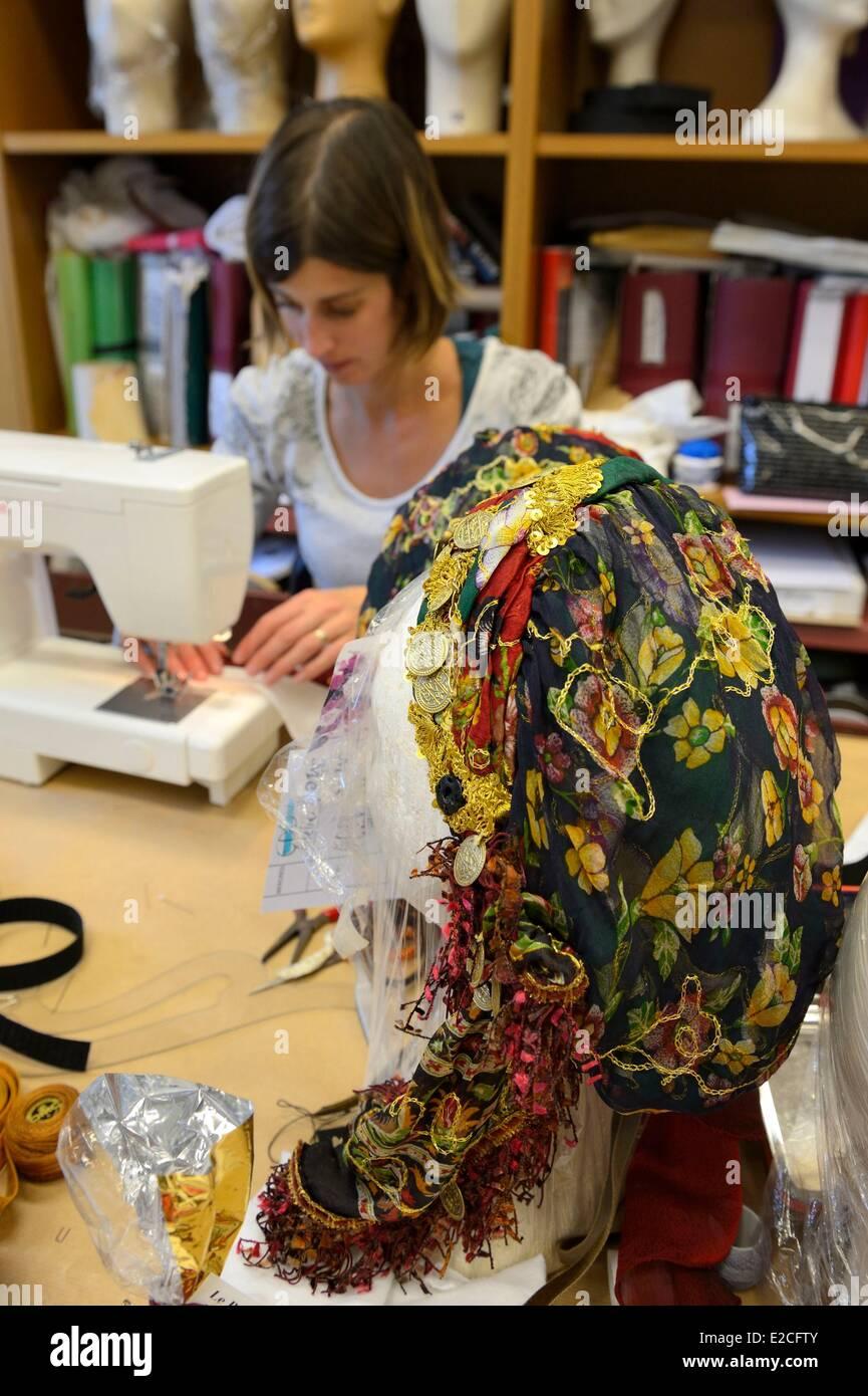 Francia, París, de la Ópera Garnier, el traje de talleres, el taller de moda Imagen De Stock