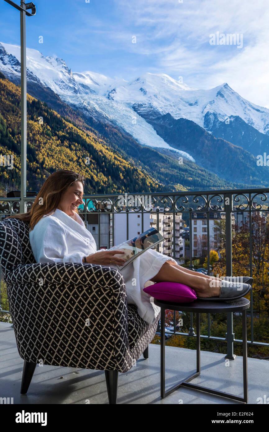 Francia, Alta Saboya, Chamonix Mont Blanc, balcón desde una habitación del Hotel Mont Blanc 5 estrellas Imagen De Stock