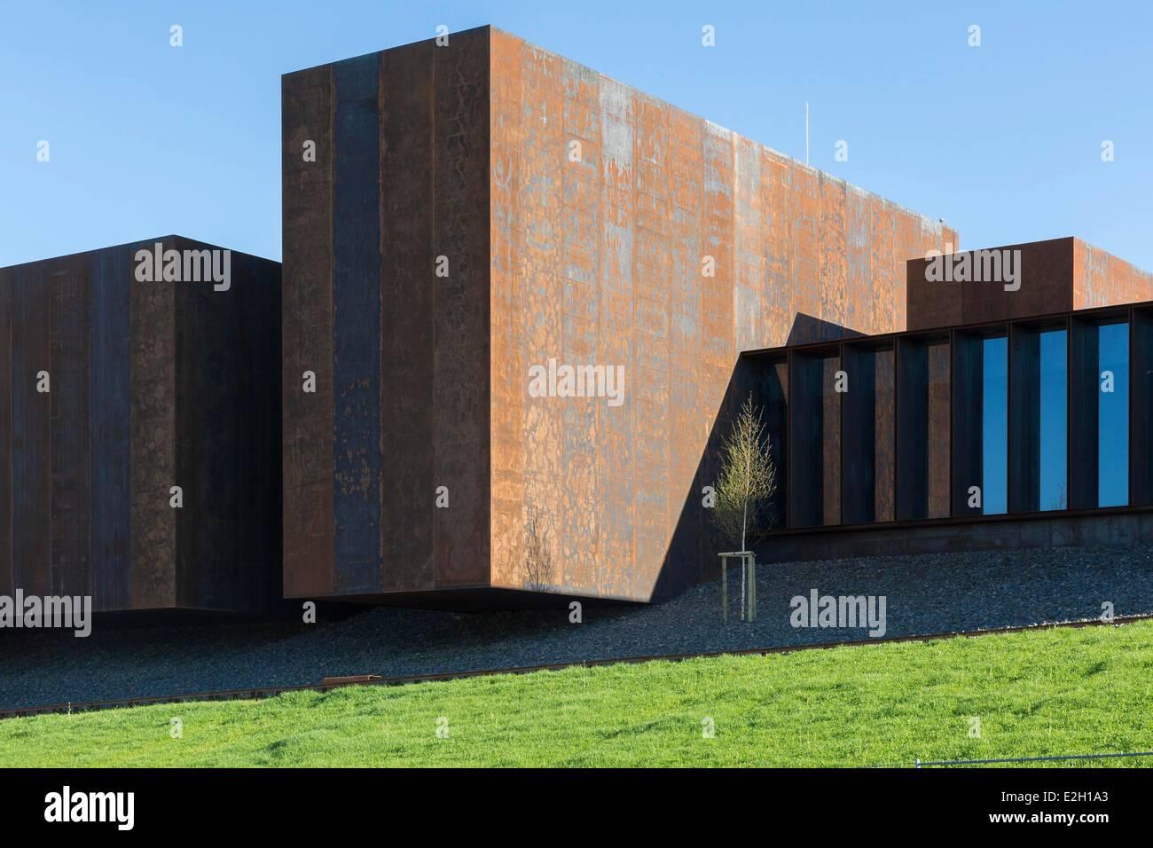 Francia Aveyron Rodez Soulages museo diseñado por arquitectos catalanes RCR asociados con Passelac & Roques Foto de stock