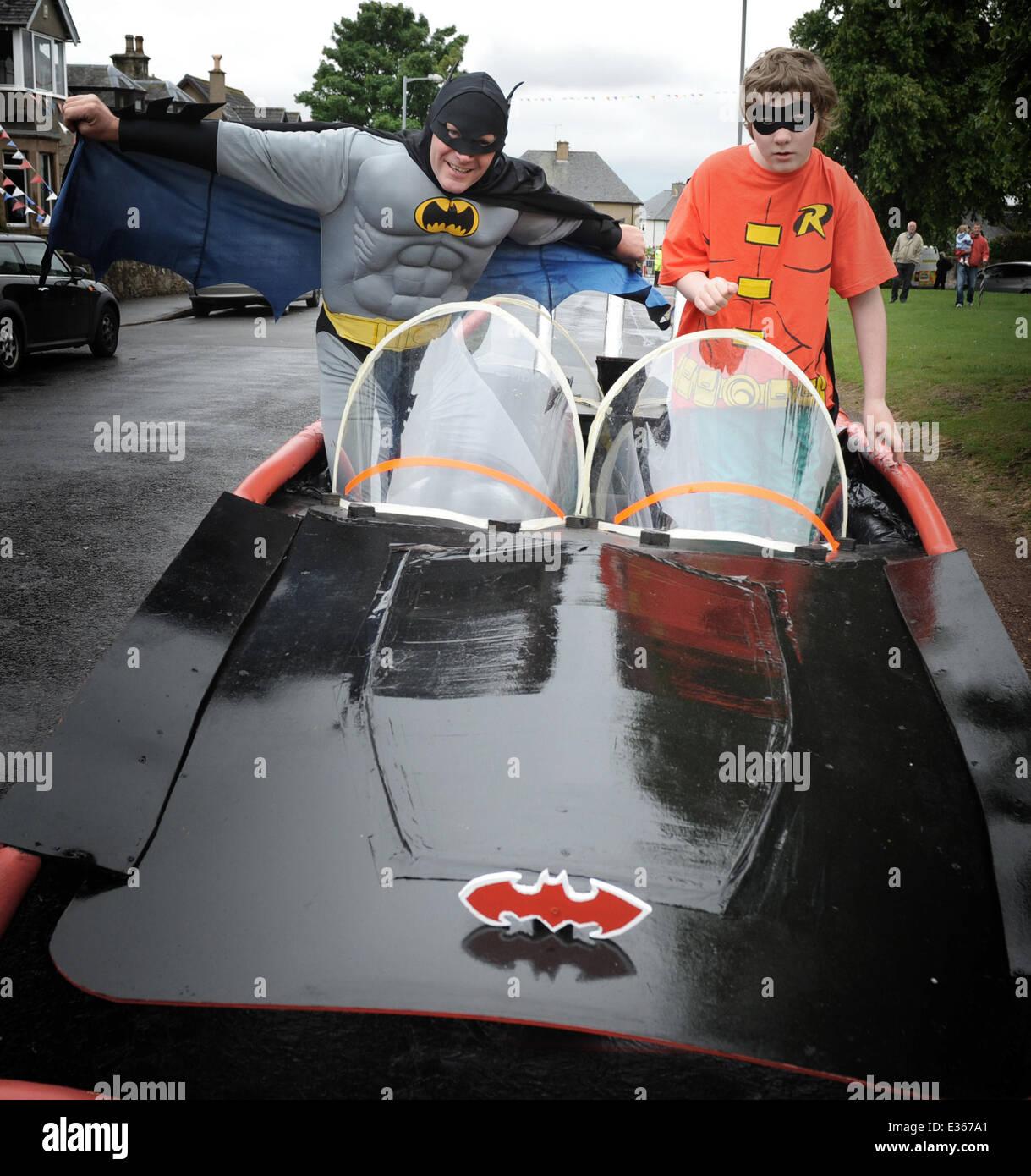 Batman Robin Batmobile Imágenes De Stock & Batman Robin Batmobile ...