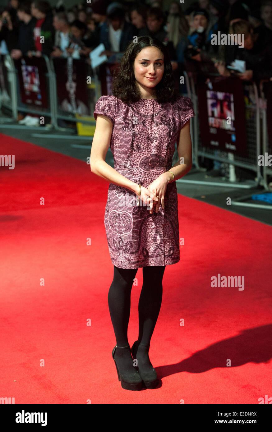 BFI London Film Festival: 'El doble' estreno europeo celebrado en el Odeon West End - Llegadas Con: Yasmin Imagen De Stock