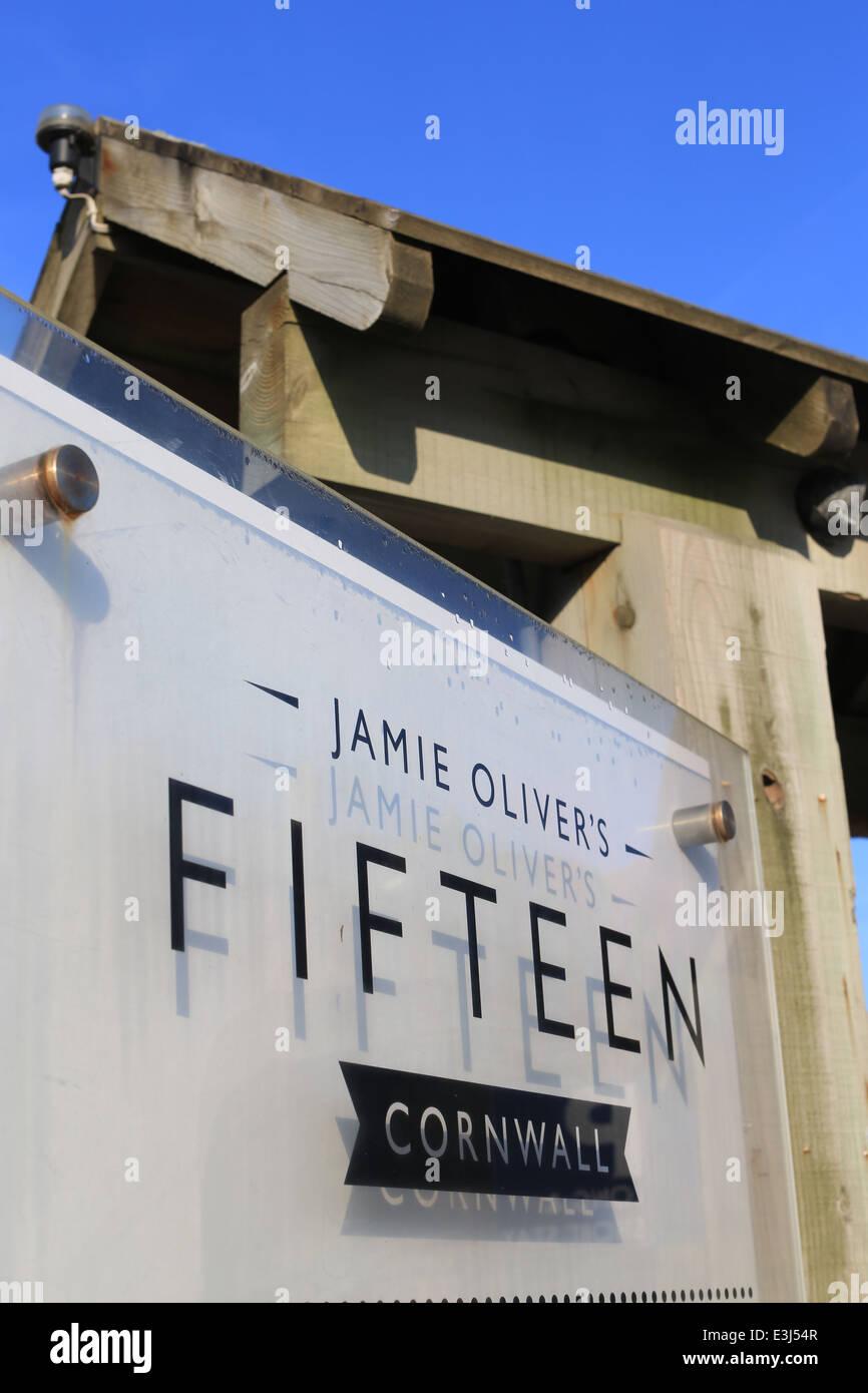 Número quince restaurante Watergate Bay Cornwall propiedad de Jamie Oliver. 15 Restaurante, Cornwall Imagen De Stock