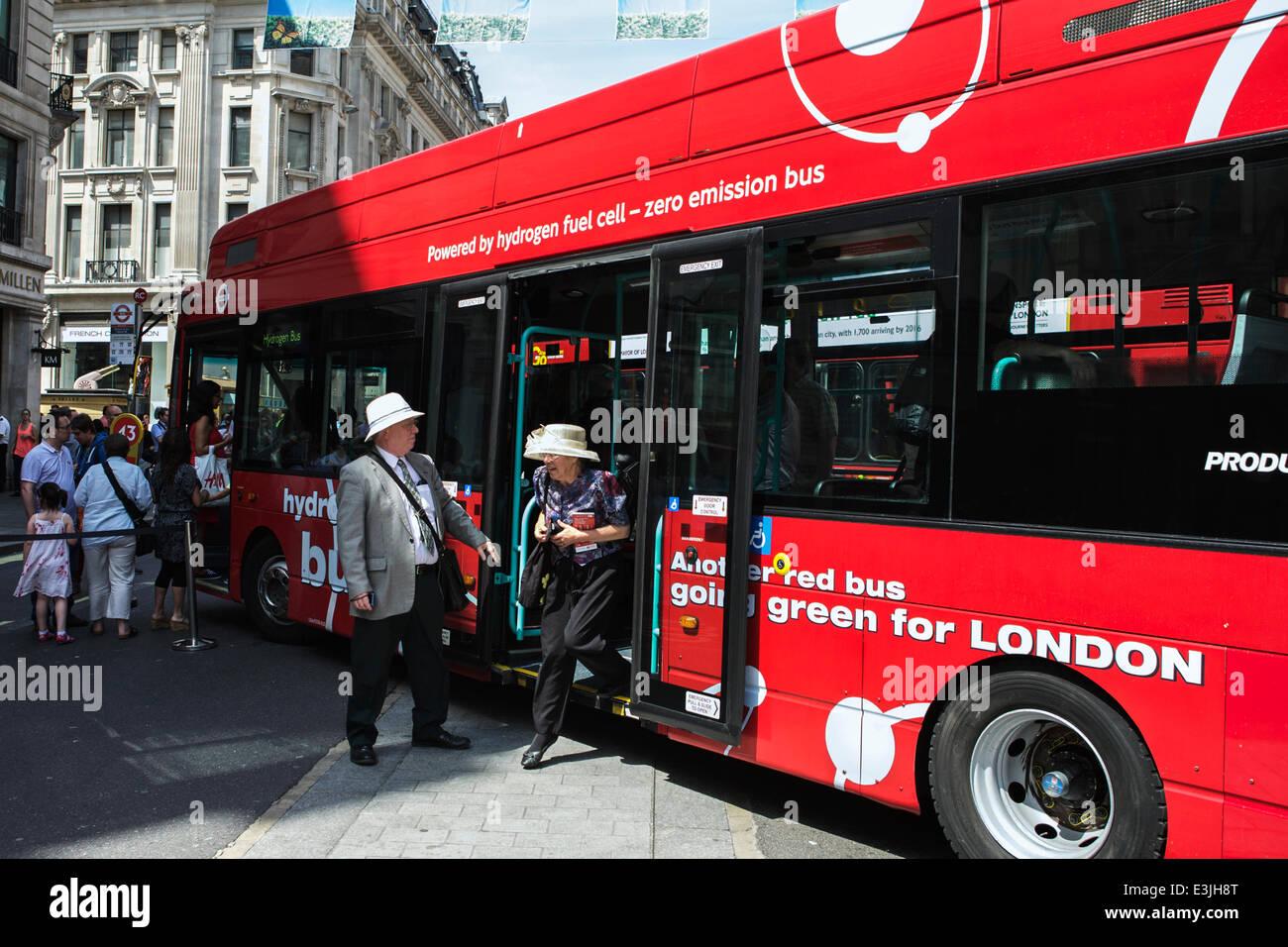 Regent Street, Londres, Reino Unido, 22 de junio de 2014. 2014 es el Año del Bus: Para celebrar este, Regent Imagen De Stock