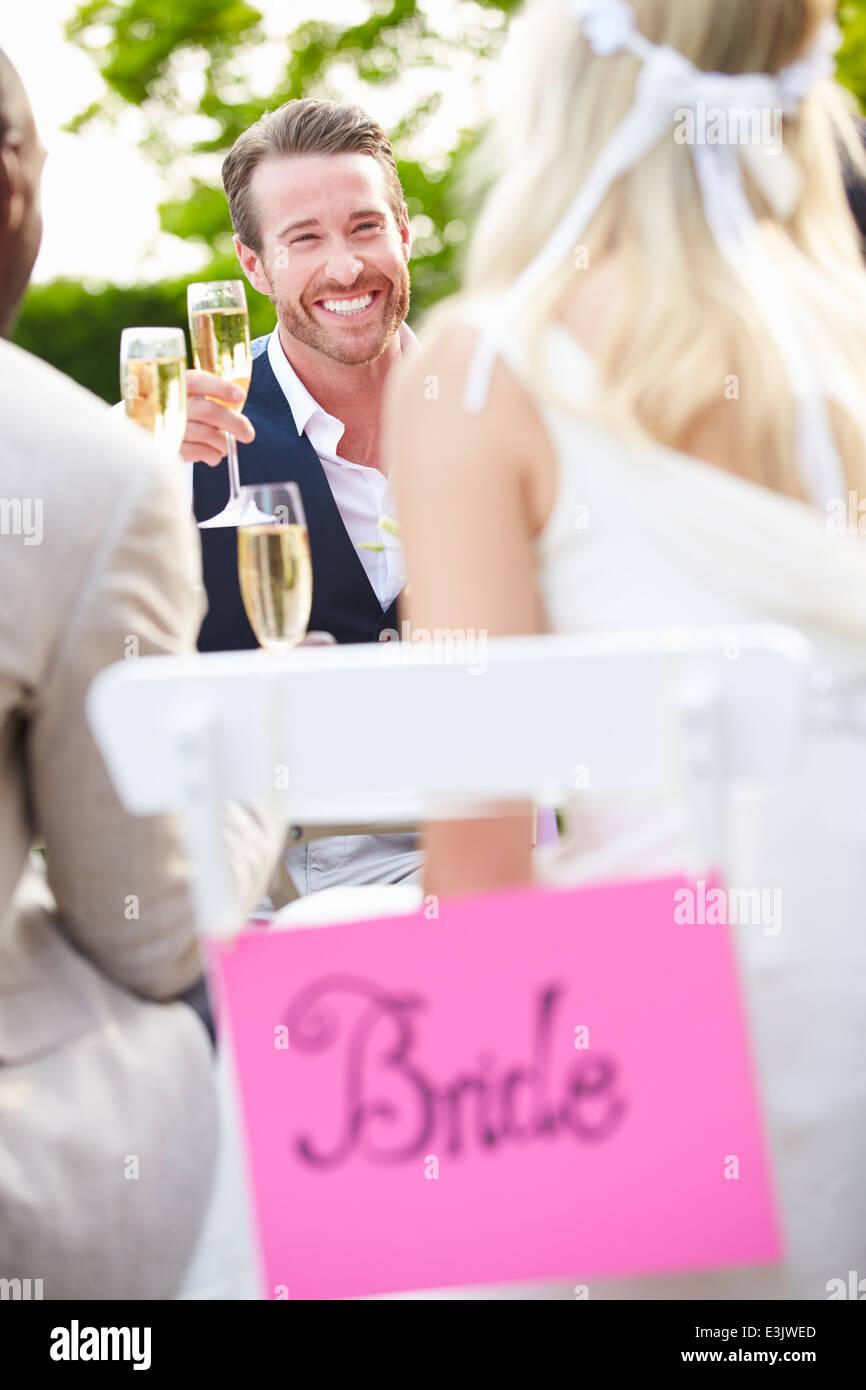 Wedding Party Imágenes De Stock & Wedding Party Fotos De Stock - Alamy