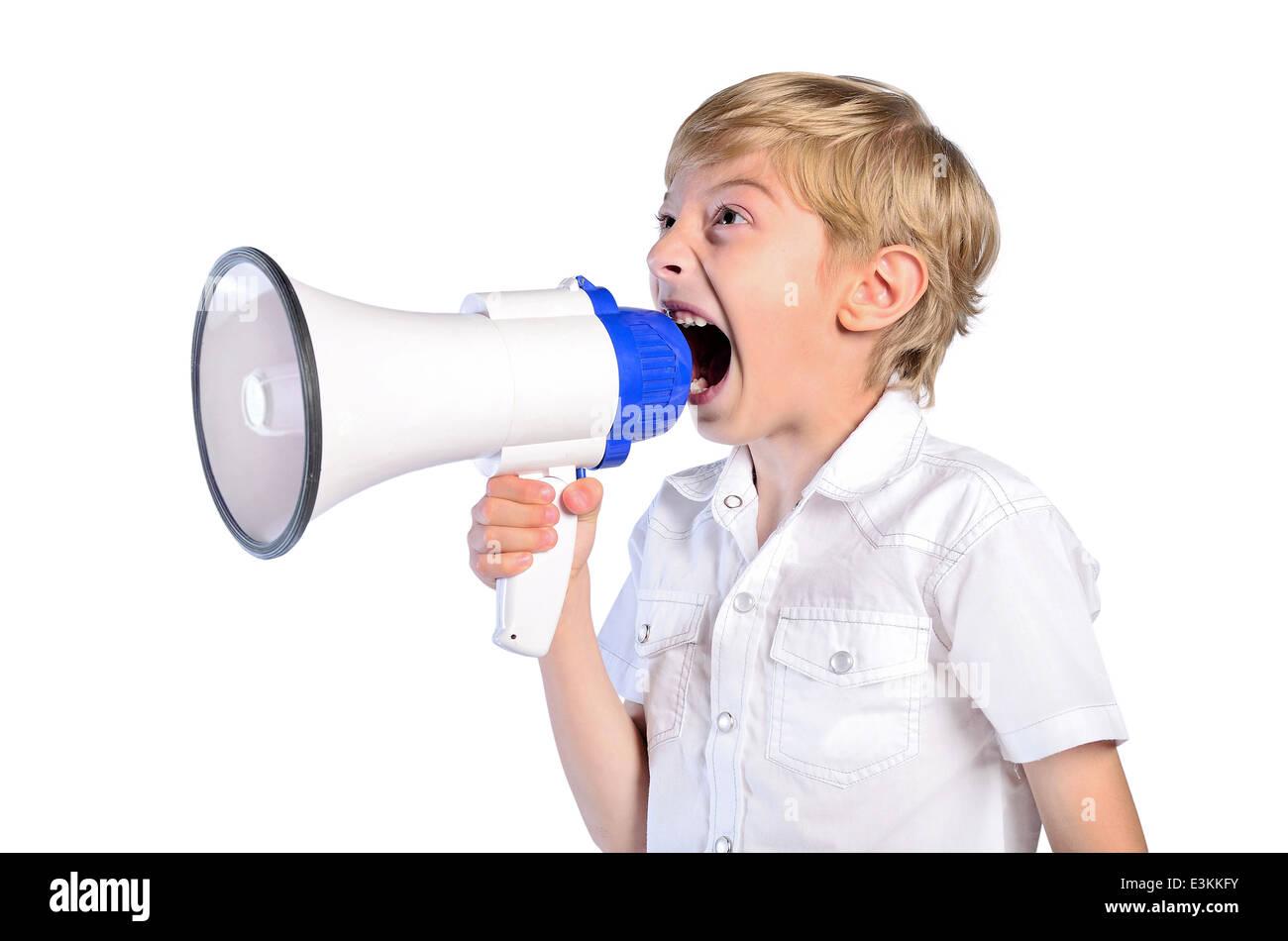 Amplificador de agresión ira enojado anunciar antecedentes extraño niño comunicarse concepto demostración Imagen De Stock