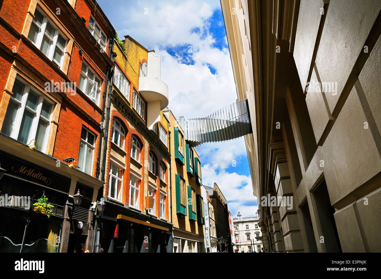 Puente de conexión de aspiración de la Royal Opera House y la Royal Ballet School, Floral Street, Covent Imagen De Stock