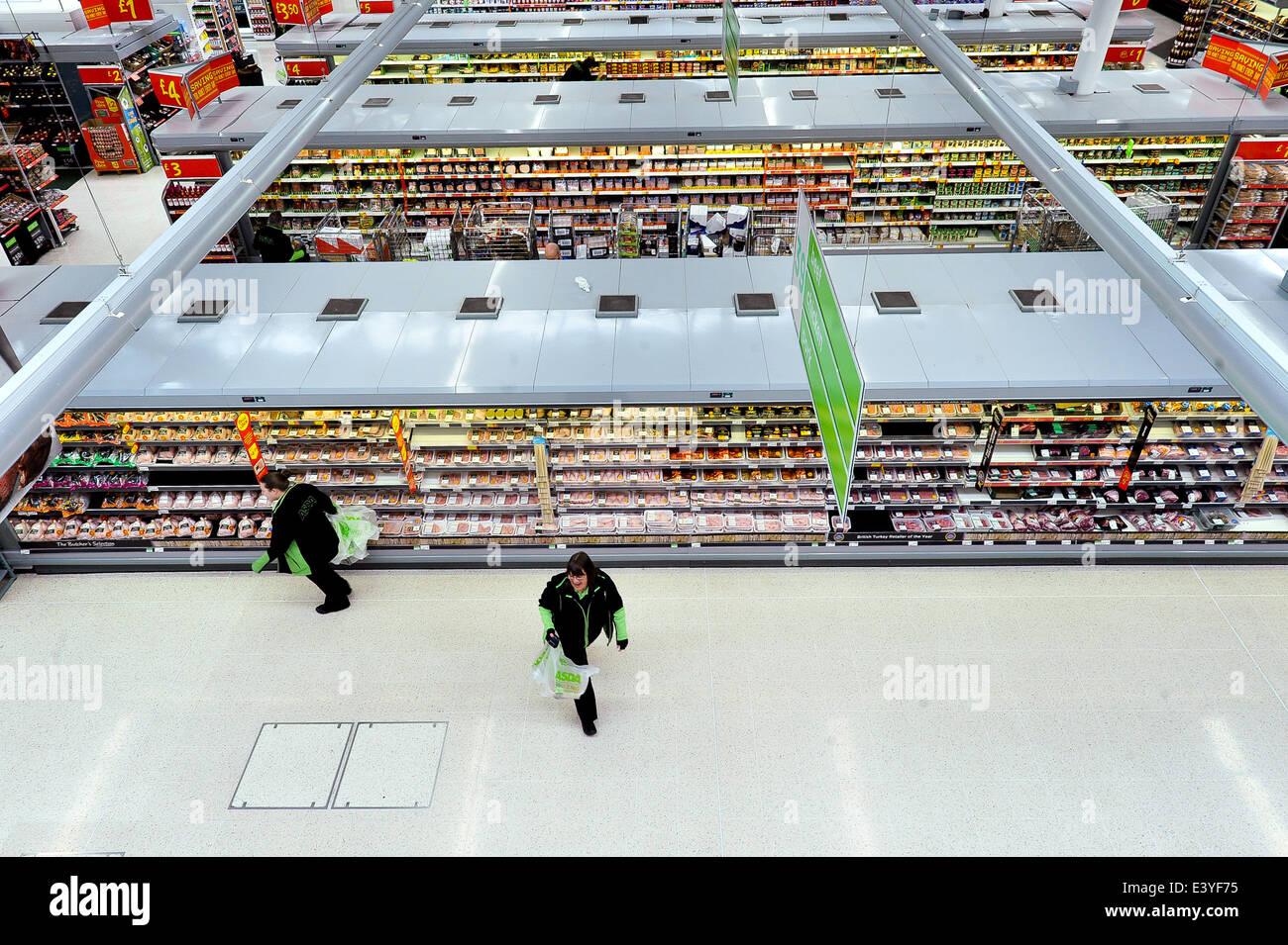 Asda Supermarket Interior Imágenes De Stock & Asda Supermarket ...