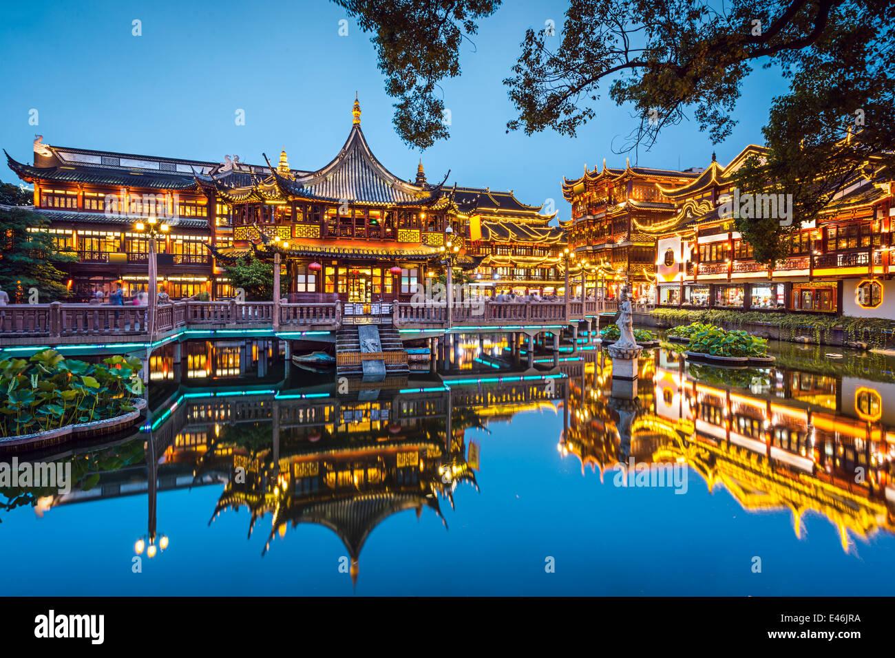 Shanghai, China en el jardín Yuyuan. Imagen De Stock