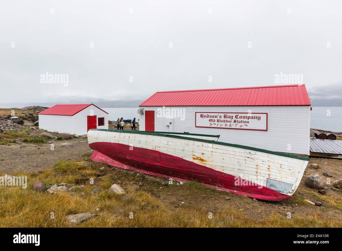 La compañía de la Bahía de Hudson en la estación ballenera Pangnirtung, Nunavut, Canadá, Imagen De Stock