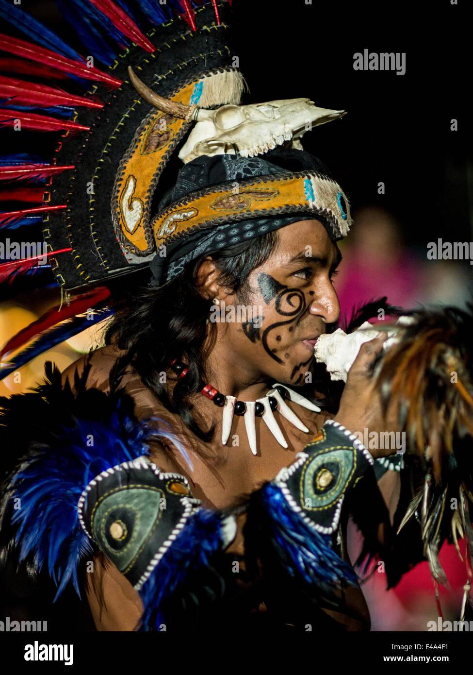Encuento Nacional de Danza Espectáculo Cultural Mexica, Cholula, estado de Puebla, México, América Imagen De Stock