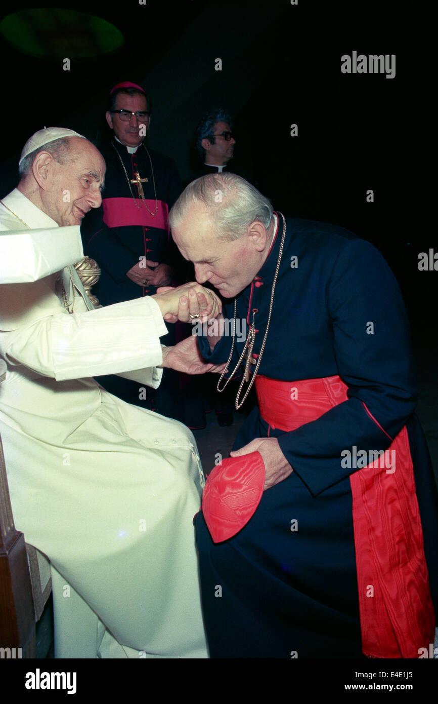 L'INFLUENCE DE PAUL 6 DANS L'ÉLECTION DE JEAN-PAUL 2 (espagnol/français) El-papa-pablo-vi-y-el-cardenal-wojtyla-e4e1j5