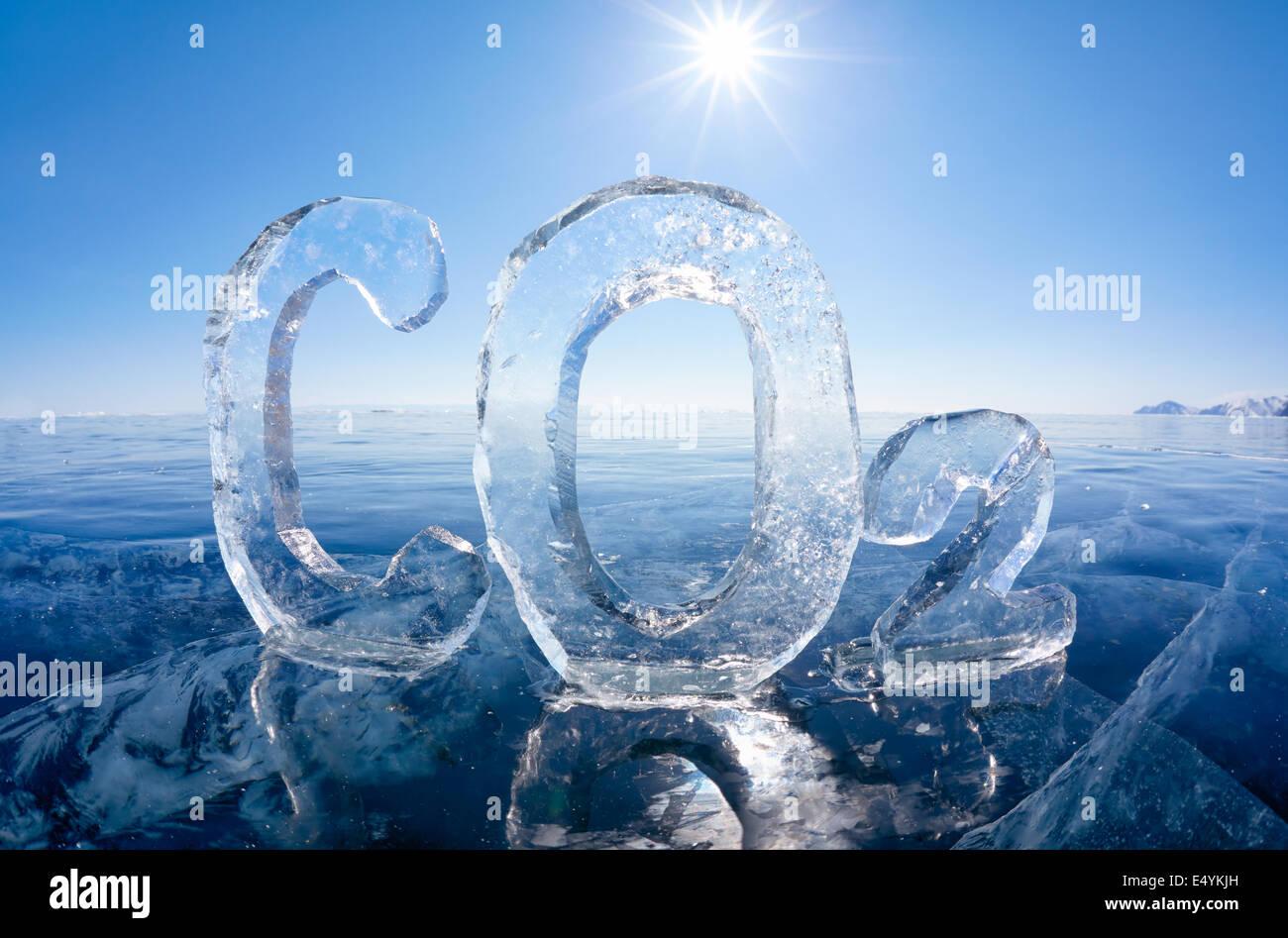 La fórmula química de hielo de dióxido de carbono (CO2) Imagen De Stock