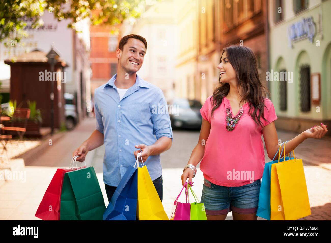 Nos encanta comprar juntos, Debica, Polonia Imagen De Stock