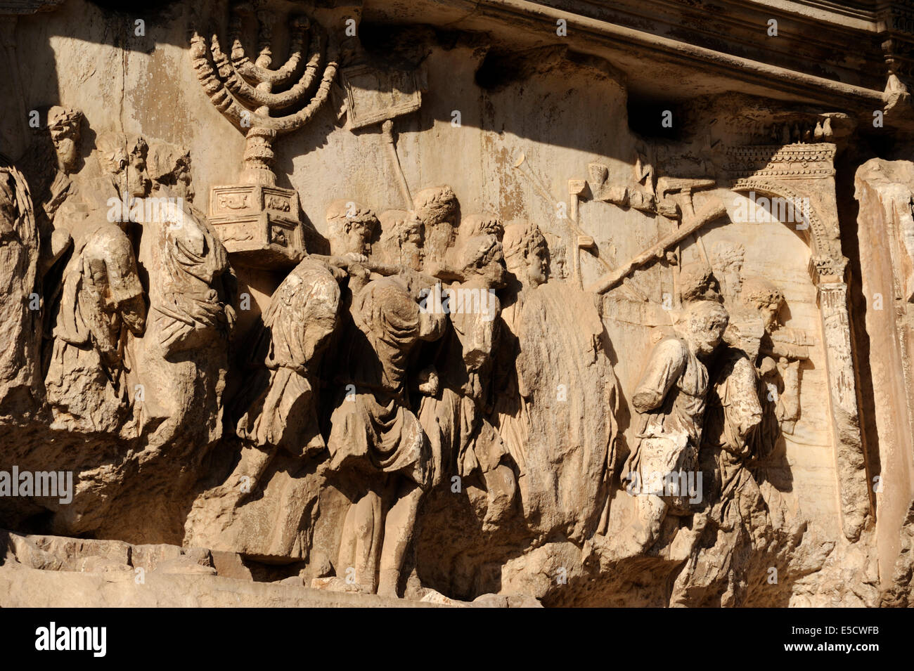 Italia, Roma, el foro romano, el arco de Tito, bajorrelieve Imagen De Stock