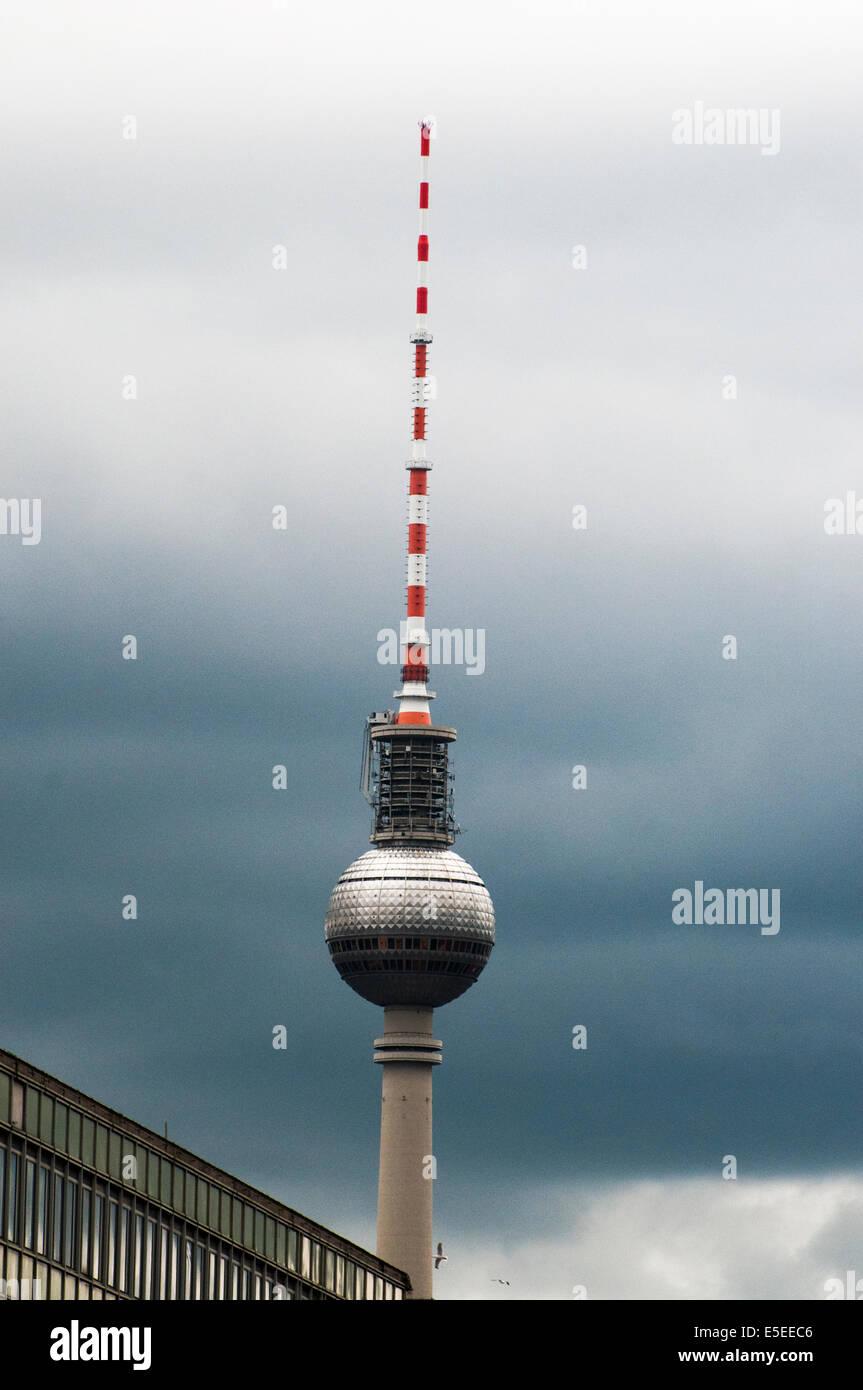 La torre de televisión, un legado histórico del antiguo Berlín oriental Imagen De Stock