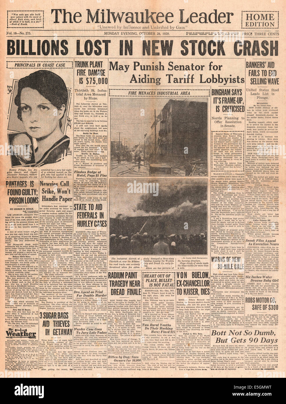 1929 Milwaukee Journal (EE.UU.) Página frontal informando de la caída de Wall Street Foto de stock