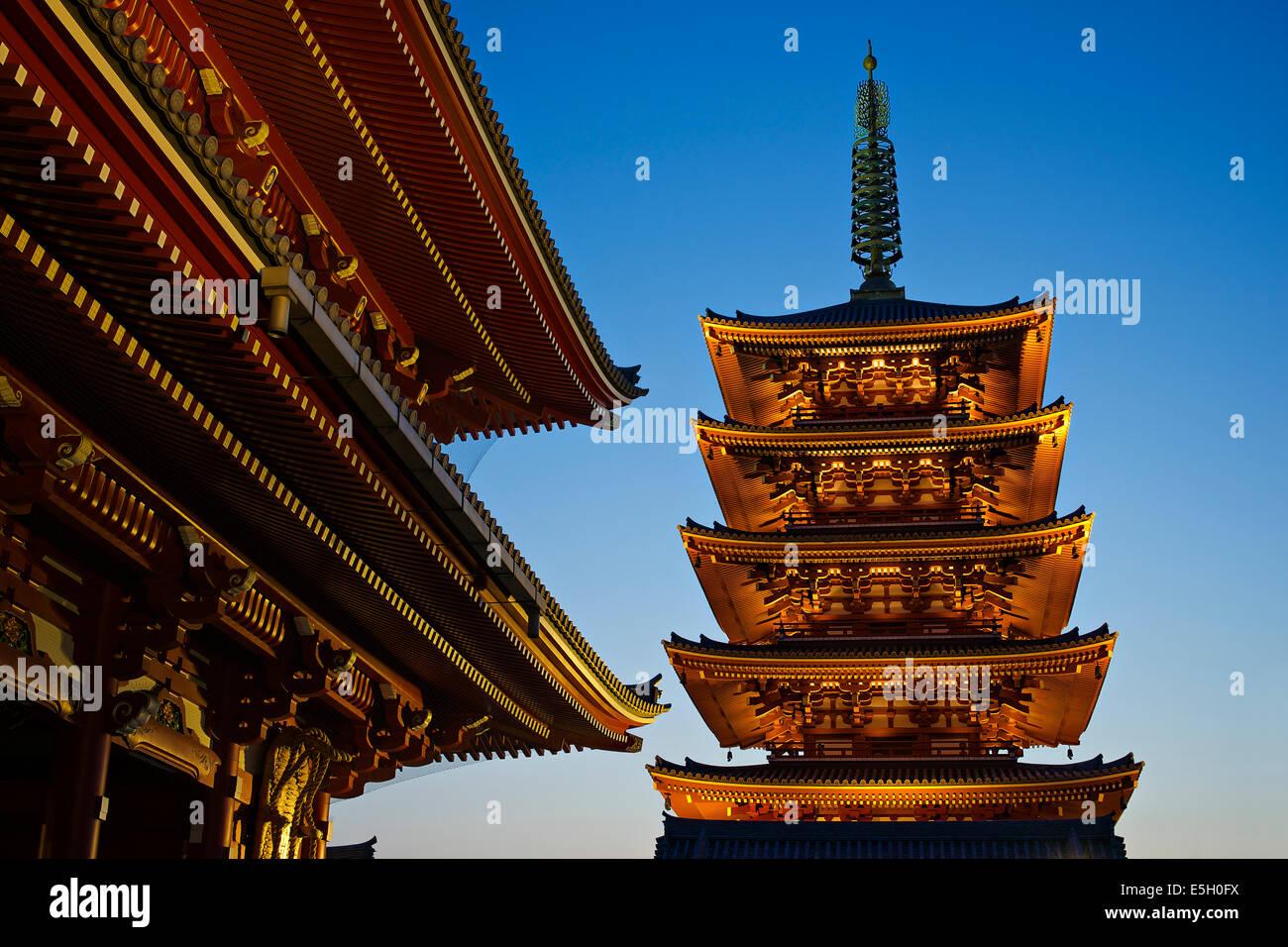 El templo Senso-ji, en Tokio, Japón. Imagen De Stock