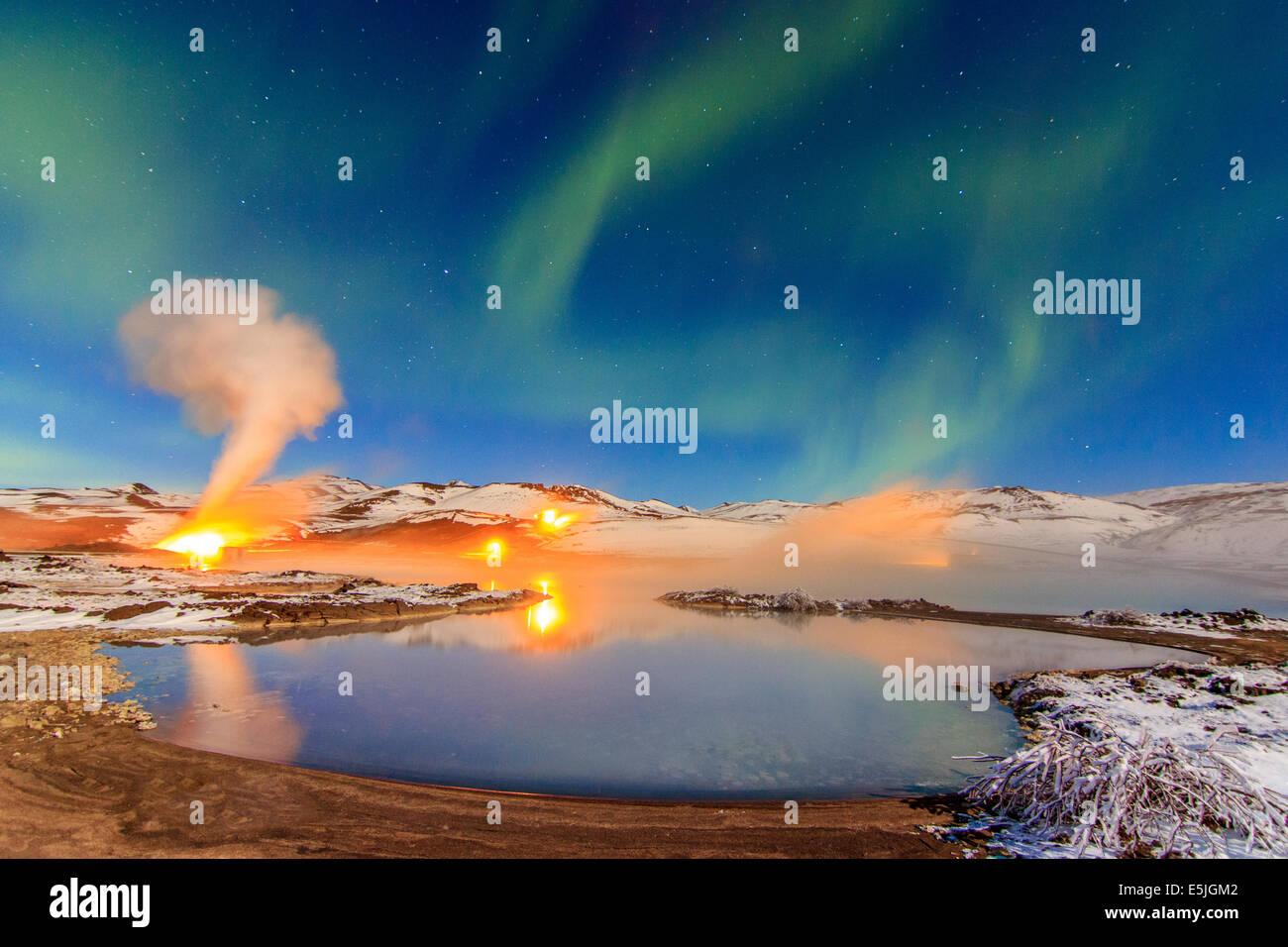 Namaskard planta de energía térmica en el lago Bjarnarflag Imagen De Stock