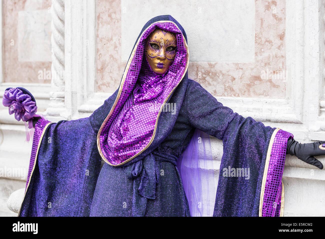 Bonito Vestidos De Dama De Oro Brillantes Patrón - Vestido de Novia ...