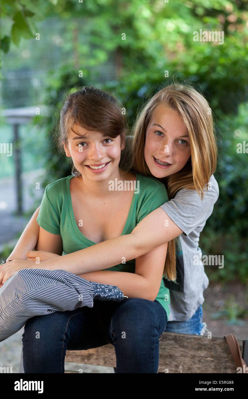 13-año-viejo chicas adolescentes. Imagen De Stock