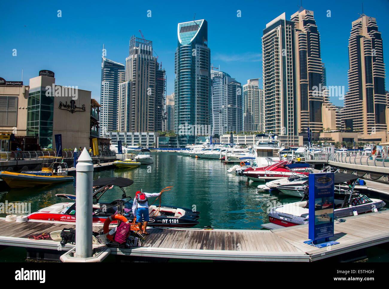Dubai Marina, Dubai, Emiratos Árabes Unidos, Oriente Medio Imagen De Stock